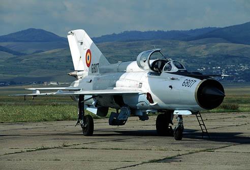 Dos pilotos mueren al estrellarse un caza MiG-21 en Rumania LancerC
